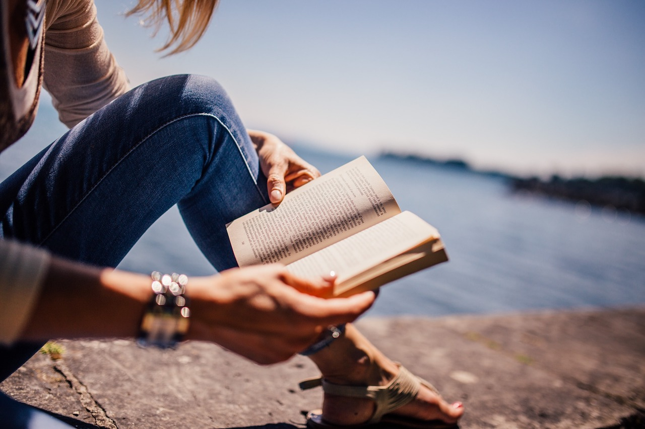Library Corner (5 books to help you connect to yourself)