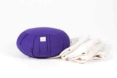 Yoga Bolsters, Cushions & Blankets
